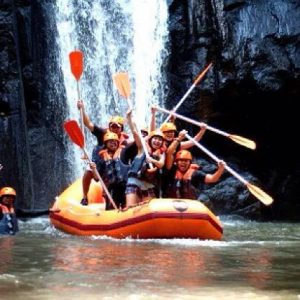 rafting di sungai ayung air terjun